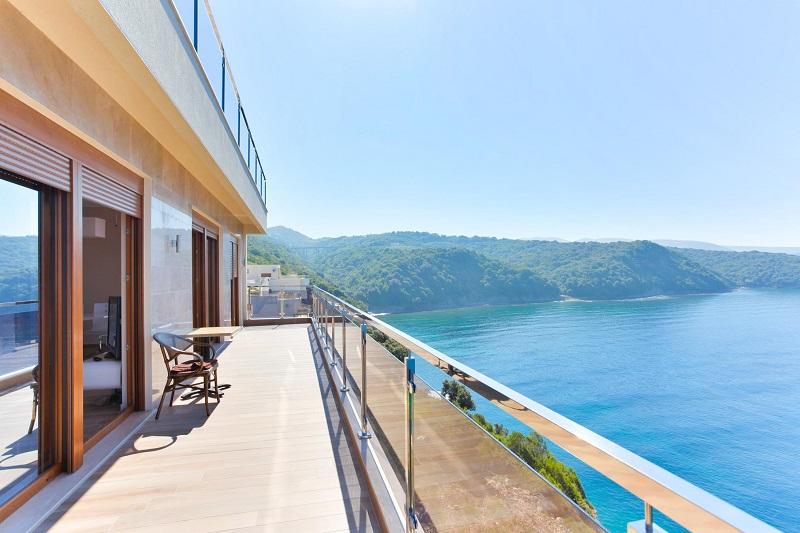 Купить квартиру в черногории на берегу моря недорого дача в тайланде купить