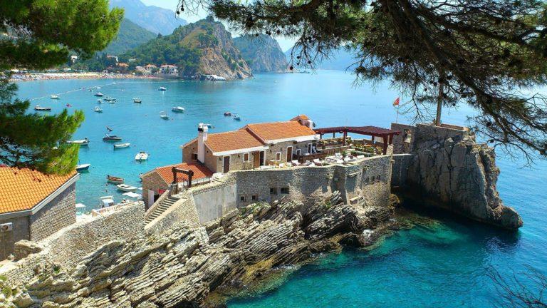 Недвижимость в черногории у моря строительные компании в оаэ