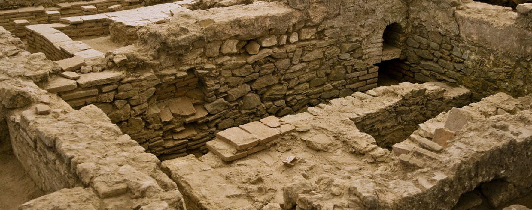 Сирмий — древнеримский город Сербии (Sirmium)