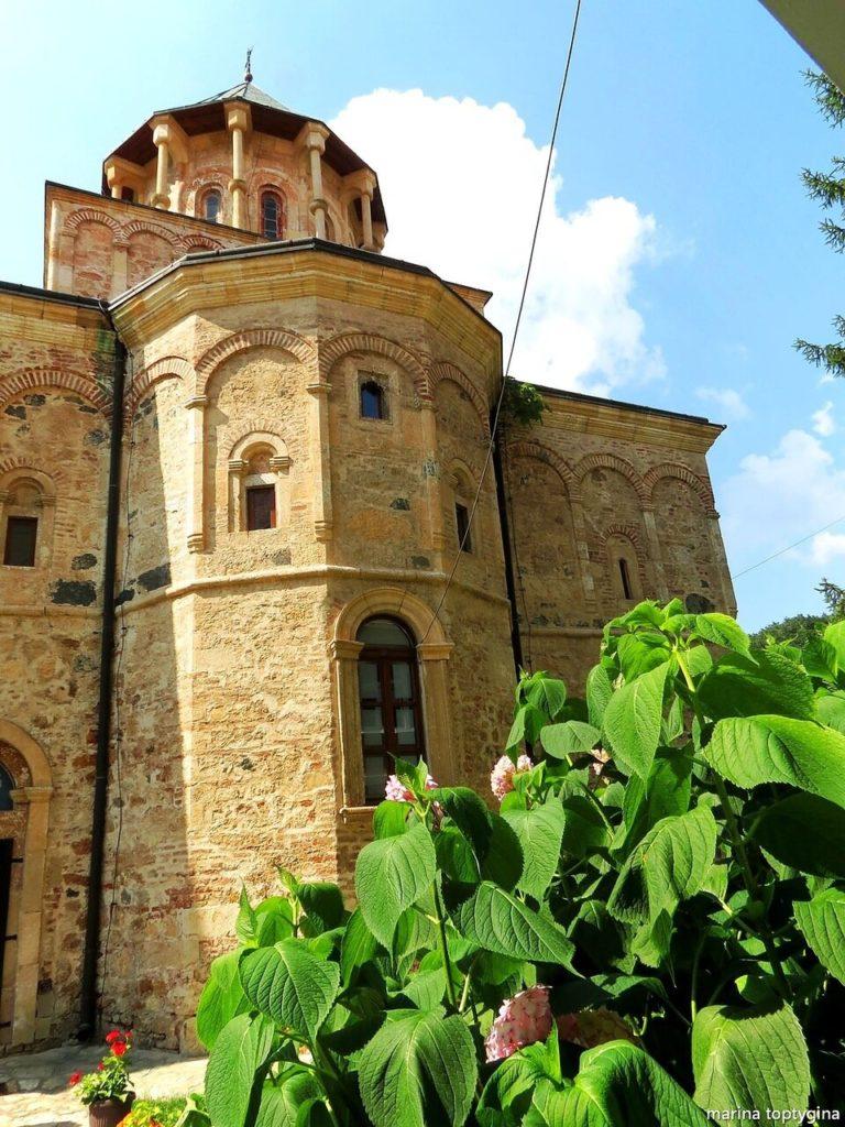 Монастырь Хопово